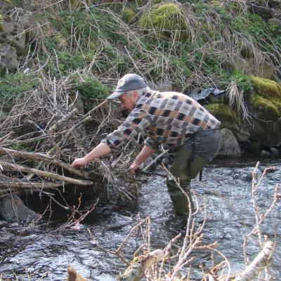 Nettoyage de l'Auze le 12 Avril 2014